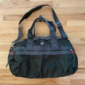 RARE NWOT Lululemon Gator Green Gym to Win Duffle